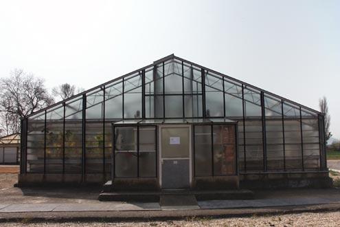Invernadero Reylux R12 con cubierta de cristal para investigación.