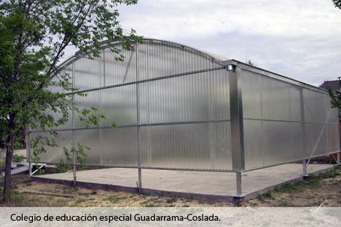 Invernadero Fiberlux con cubierta de policarbonato en el Colegio de Educación Especial Guadarrama (Coslada) Madrid