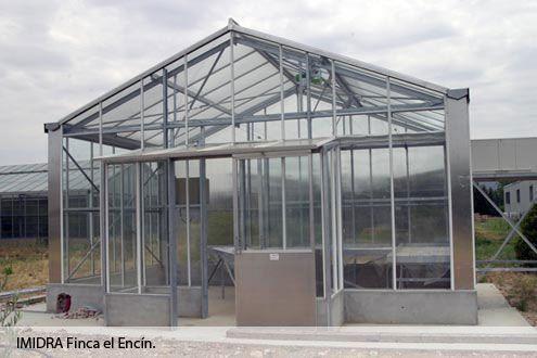 Montaje de invernadero de cristal Reylux en la Fincal El Encín del IMIDRA