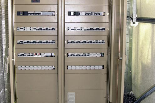 centralización en armarios estancos de todo el aparellaje eléctrico de mando