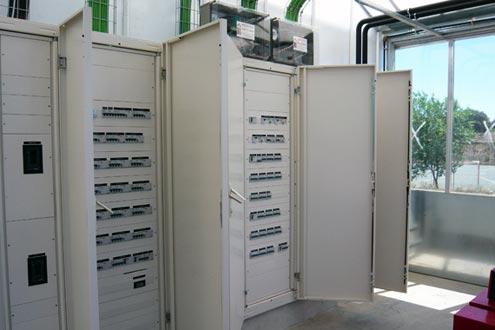 Cuadro eléctrico en invernadero Reylux en el Centro Nacional de Biotecnología y Genómica de Plantas en Madrid