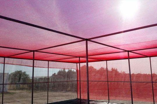 Umbráculo plano Umbralux con malla de sombreo fotoselectiva roja