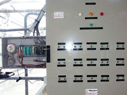 Cuadro eléctrico de control Automático en invernadero. Sistemas D.R.