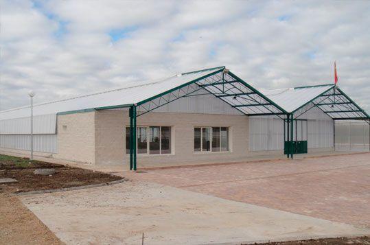 Invernadero Reylux de gama alta para Centro de Jardinería de nueva apertura en Madrid