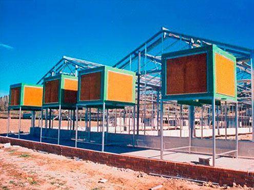 Cooling system. Montaje de unidades de enfriadores evaporativos.