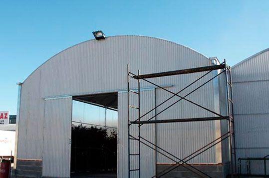 Invernadero Fiberlux adaptado como almacén. Sistemas D.R.