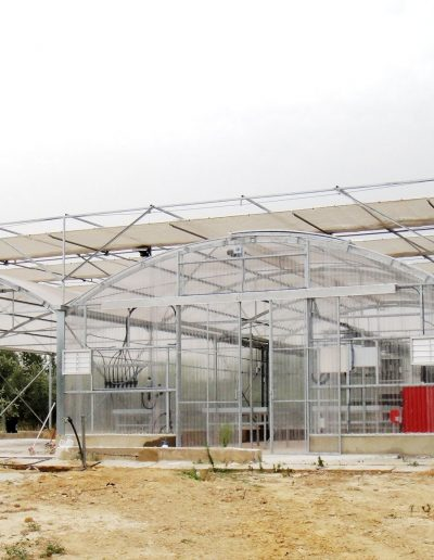 Invernadero Fiberlux F8 con cubierta de policarbonato compacto